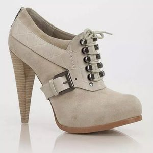 Guess by Marciano NEVA OXFORD BOOTIE SZ 9 $218